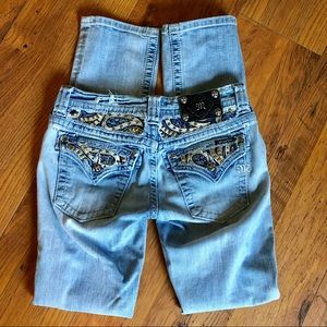 Miss me Distressed light wash Jeans. Leather,